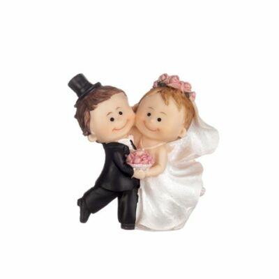 Kicsi táncos pár csokorral esküvői tortadísz