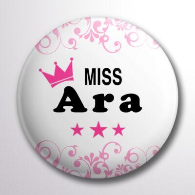 ad08f0c2d9 Miss Ara pink koronás kitűző