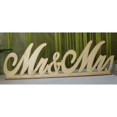 Mr és mrs felirat talppal, natúr fa, írott betűs, nagy