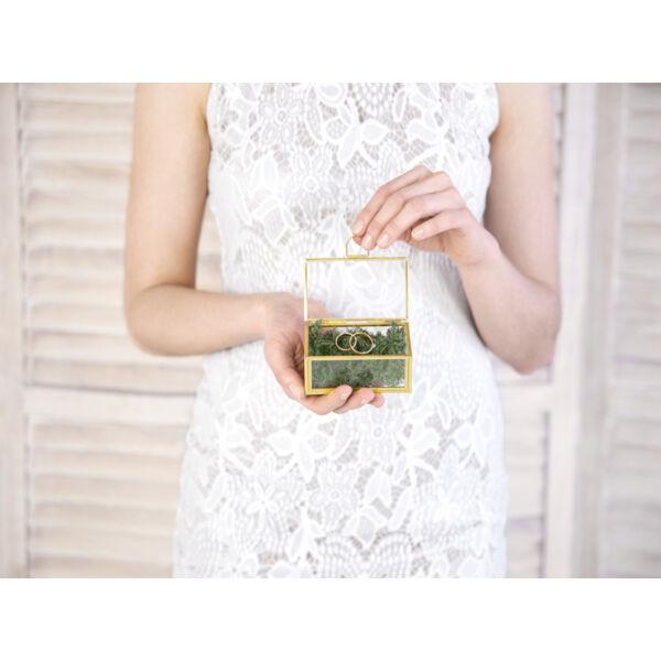 Arany üveg gyűrűtartó doboz