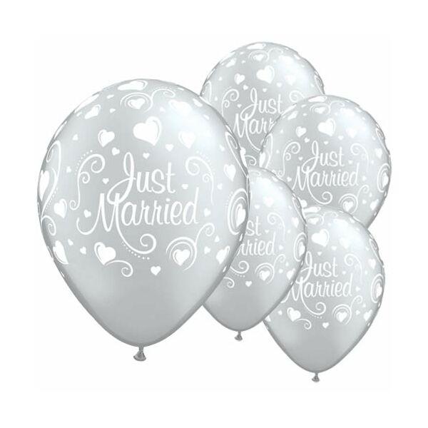 Ezüst szivecskés Just married esküvői lufi