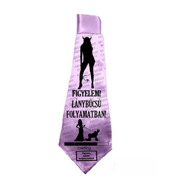 Lánybúcsú folyamatban nyakkendő