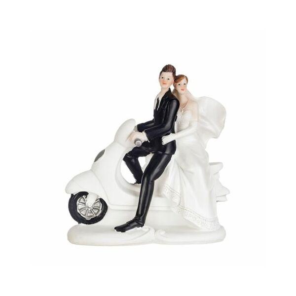 Nászpár robogón esküvői tortadísz