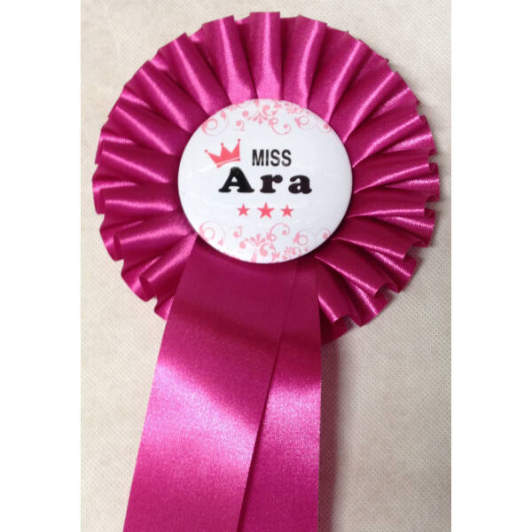 Pink szalagos pink koronás miss ara kitűző